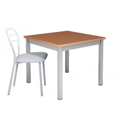 Table-de-cuisine-carree