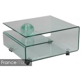 Table-basse-en-verre-sur-roulettes