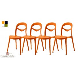 Chaise empilable de couleur orange